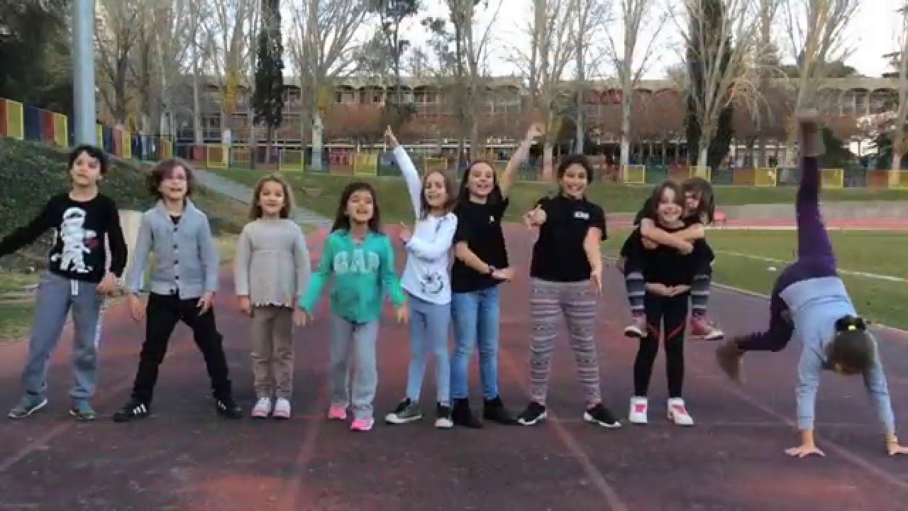 Los Kids In Black os Deseamos Felices Fiestas y Feliz 2016