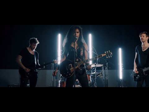 Troi Irons - Strangers (Live Cut)