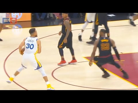 Stephen Curry CROSSES UP LeBron James