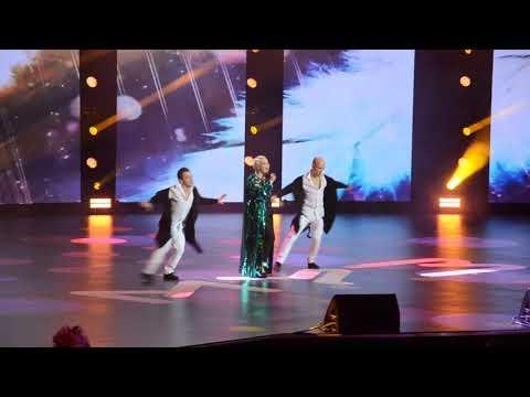 Катя Лель / Пусть говорят ( МУЗ-ТВ 22 года в эфире. День рождения в Кремле)