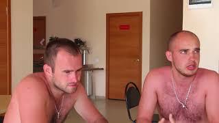 Двух туристов унесло на матрасе в открытое море