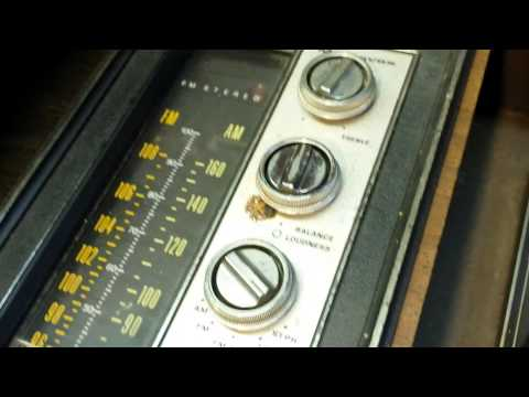curb side pickup magnavox console radio 1973 model 1p3673