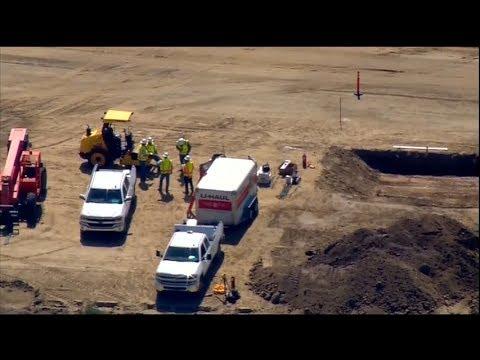 Trump's border wall goes into prototype phase