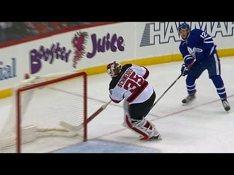 Gotta See It: Schneider's blunder gives Brown hilariously easy goal