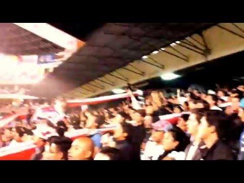 """""""Liga de Quito, mix de barras...!!!"""" Barra: Muerte Blanca • Club: LDU"""