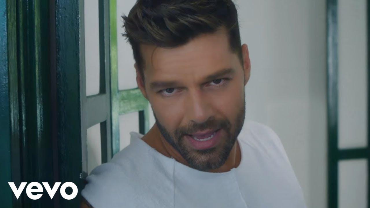 Ricky Martin – La Mordidita (Official Video) ft. Yotuel