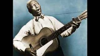 """Roots of Blues -- Lead Belly """"Rock Island Line"""""""