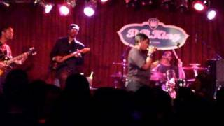 Angie Stone -  Pissed off - Concert - New York Feb 2010
