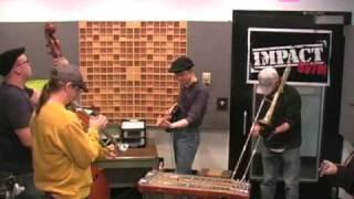 Wayne 'The Train' Hancock - Cow Cow Boogie [Live]