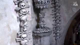 preview picture of video 'Sedlec Ossuary (Kutná Hora) - Danse Macabre at the Bone Church'