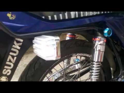 Suzuki AX 100 Ascelando un poco - смотреть онлайн на Hah Life