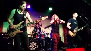 Video ZYLWAR - Pár vteřin sentimentu (live 2.4.2016 RC Brooklyn)