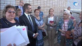 Жители улицы Лужская и проспекта Корсунова обсудили проблемы микрорайона с представителями власти