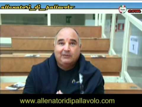 Preview video RADAMES LATTARI: ALLENARSI A PALLAVOLO