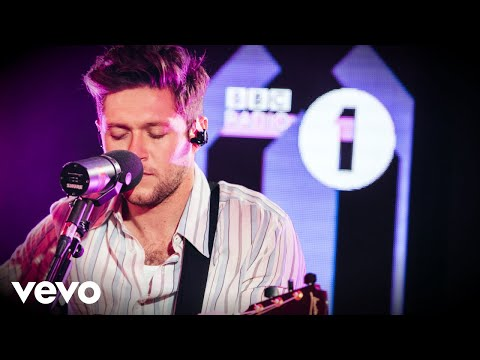 Niall Horan - Circles (Post Malone cover) in the Live Lounge