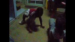preview picture of video 'Bambini che ballano il reggaeton 5'
