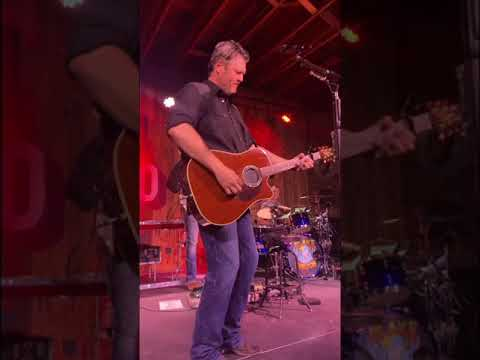 Blake Shelton- God's Country-5/24/19-The Dog  House at Ole Red Tishomingo.