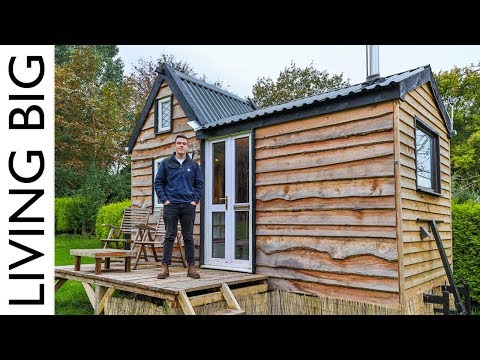 , title : '17 Year Old Builds Tiny House For Only £6,000!