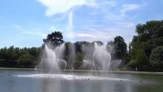 preview picture of video 'Versailles - Les grandes eaux musicales 2014 - Bassin du Miroir'