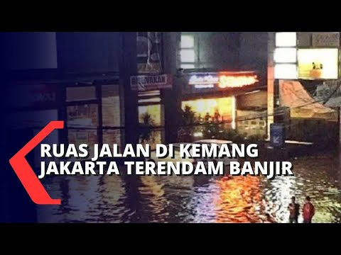 Ruas Jalan di Kawasan Kemang Jakarta Terendam Banjir
