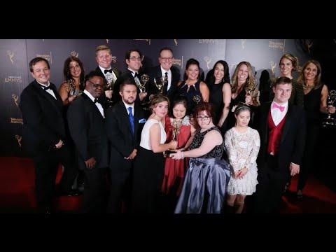 Ver vídeo'Born This Way' Wins an Emmy