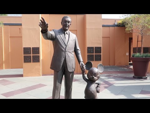 Our Walt Disney Day In California   Final Resting Place, Disney Studios & The Tam Table