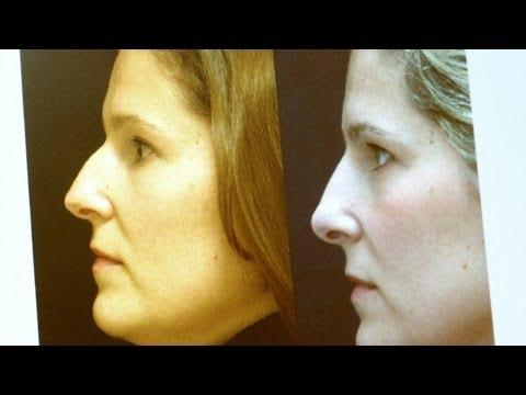 El complejo de los ejercicios para arreglar el vientre y los lados para las mujeres