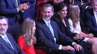 SS.MM.los Reyes y SS.AA.RR la Princesa de Asturias y la Infanta Sofía, en los premios FPdGi 2019