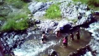 preview picture of video 'San Carlos Minas, Arroyo Noguinet.'