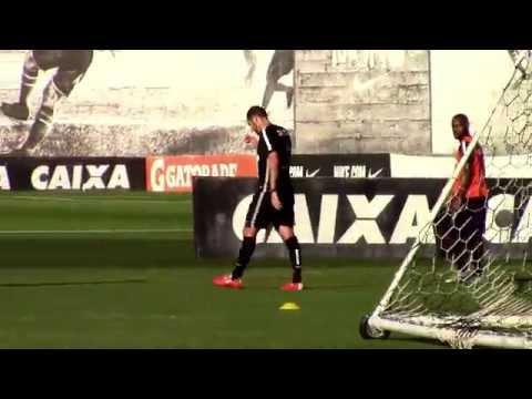Sem titulares, Corinthians treina nesta segunda-feira