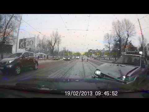Авария с инспекторами ДПС часть 1 19.02.13