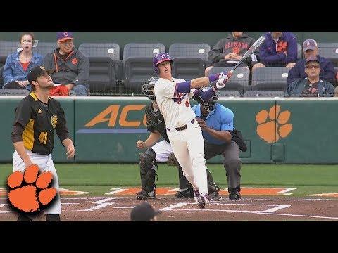Clemson's Logan Davidson Blasts HR Out Of The Ballpark