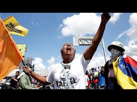 Εντυπωσιακή σε όγκο η διαδήλωση της αντιπολίτευσης στο Καράκας