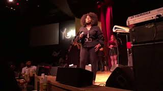 """Angie Stone Pays Tribute 2 Prince """"When Doves Cry"""""""