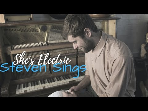 Steven Sings Video