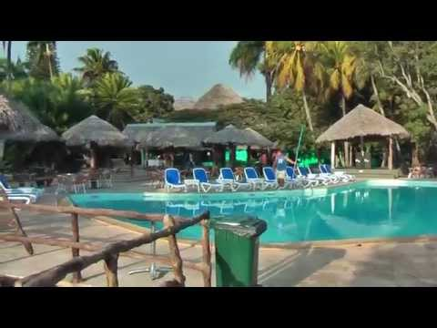 In Santa Clara (Cuba) we stayed at Hotel Los Caneyes *** in our own