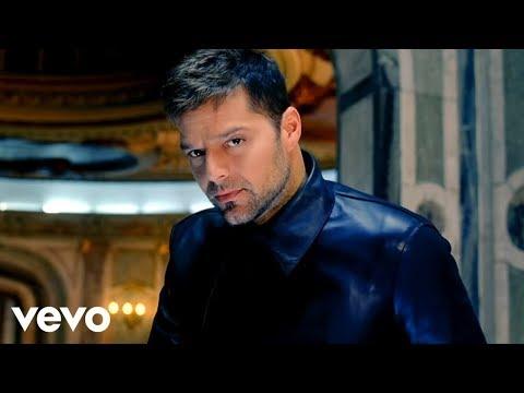 Ricky Martin - Frio ft. Wisin & Yandel (Video Oficial)