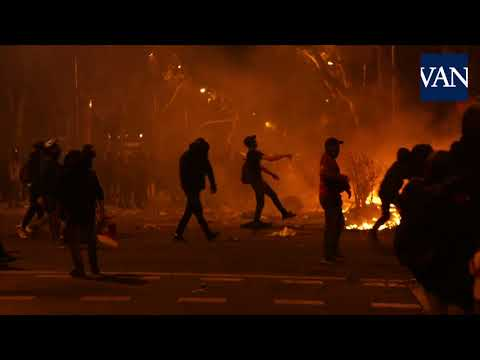 Yesterday in Barcelona. Violence erupts between police and pro-independence groups. This has been going for a week.