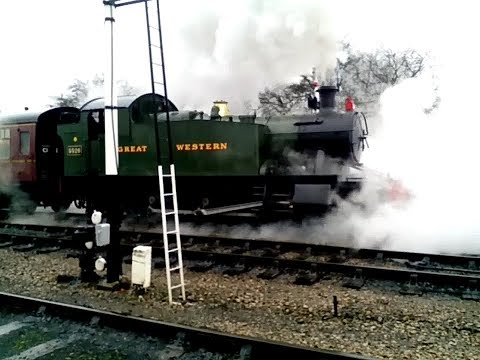 GWR 2-6-2T 5526 departs Toddington on the GWSR 1st January 2…