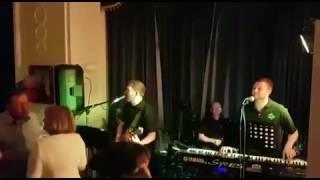 Unit 4 - Tom Jones - It's Not Unusual