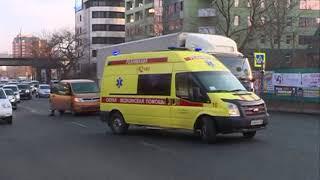 Девушка рухнула на асфальт после удара об авто в аварии на Гоголя