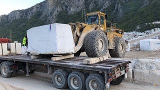 Cat 988B Wheel Loader Loading Marble Blocks On Trucks - Birros Marbles
