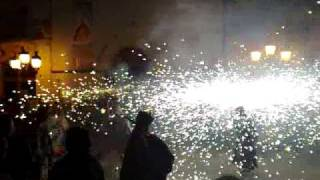 preview picture of video 'Ball dels Diables de Vilafranca del Penedès'