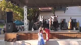 preview picture of video 'Baile típico en Balatonfüred - Typical Dance in Balatonfüred'
