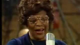 Ella Fitzgerald - It Don't Mean a thing (If it ain't got that swing) [1974]