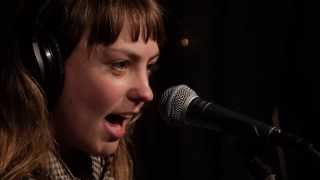 Angel Olsen - Sweet Dreams (Live on KEXP)