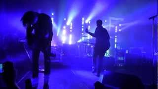 Angels and Airwaves - Intro & Saturday Love & Young London @ Paris Bataclan le 07 04 2012