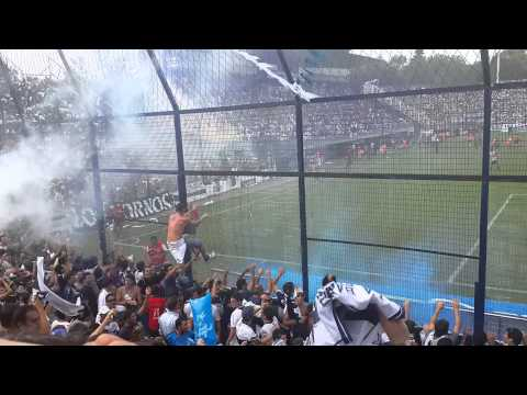 """""""HOLA BASURERO"""" Barra: La Banda de Fierro 22 • Club: Gimnasia y Esgrima"""