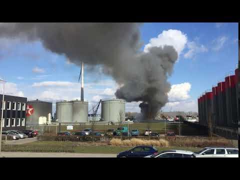 Brand bij Hoeben Metalen op het industrieterrein (filmbeelden)