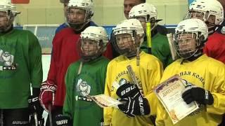 На ледовой арене Великого Новгорода чествовали хоккеистов команды «Йети 2004»